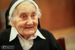Kisfalusi Ilona M. Klavéria – a Magyar Kurir fotója